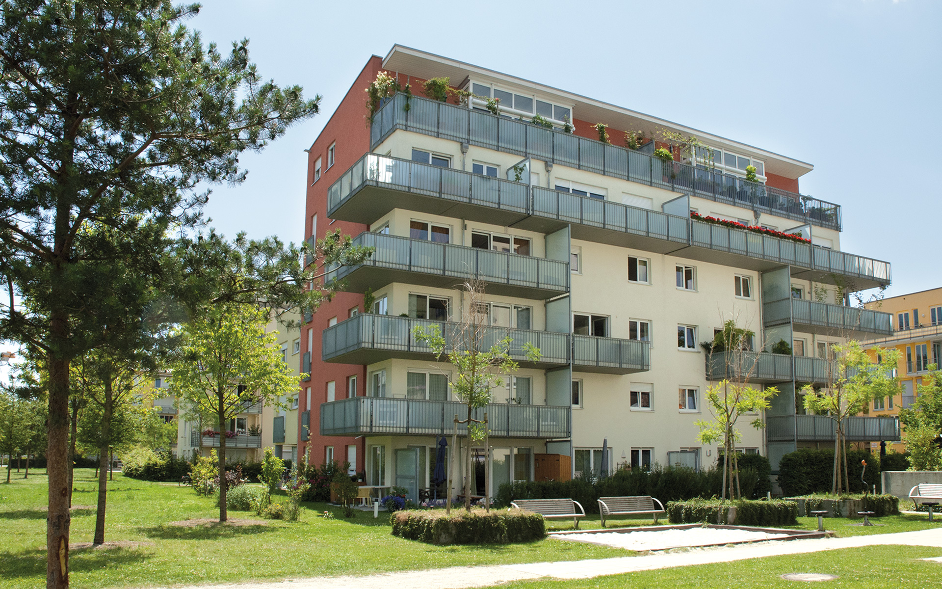 Parkstadt Schwabing is a completely new urban quarter springing up in the north of Munich.