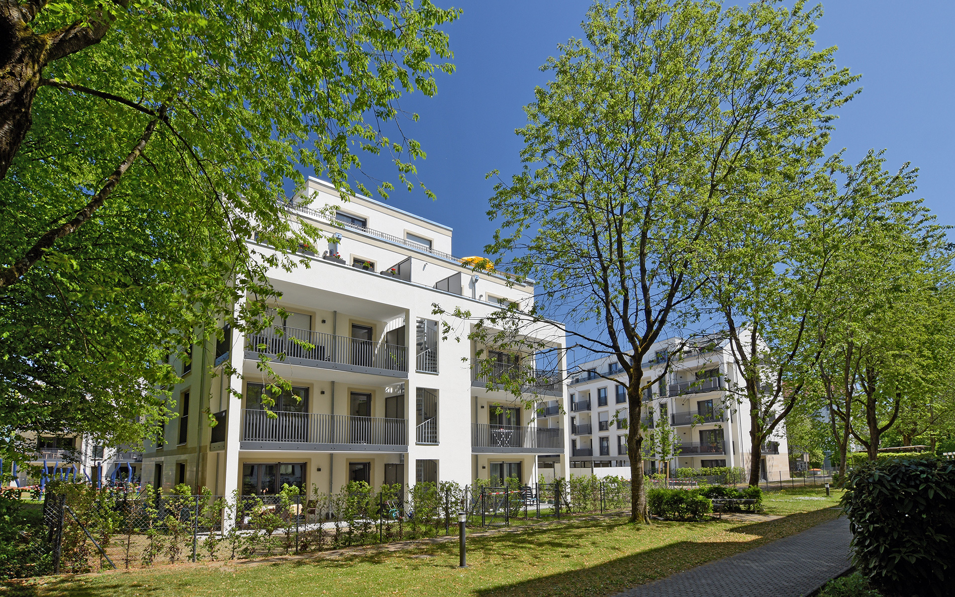With TRUDI160 - condominiums in Berg am Laim - a new residential complex with 69 condominiums is being built in 2018: The five residential buildings enclose a generous park-like inner courtyard with partly wonderful old trees.